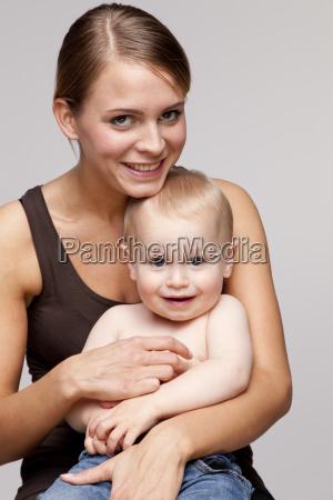 risilla sonrisas retrato hijo vista frontal