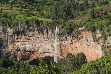 a view down on sipi falls