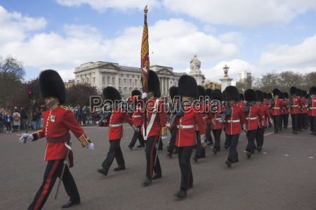 coldstream guards parading en route to